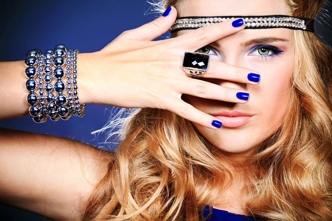 glam up ur look with ring