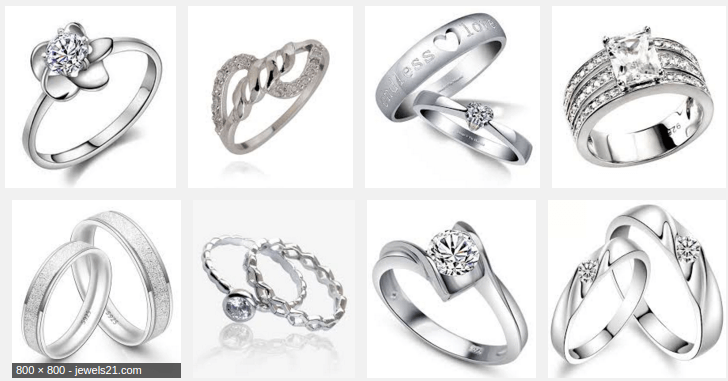 Silver rings as a part of your every outfit