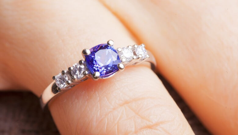 Top 5 Popular Gemstones for Engagement Rings