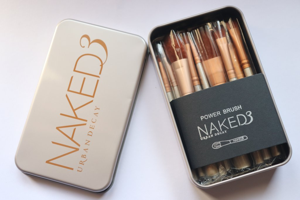 Urban Decay Naked 3 Makeup Brush Set